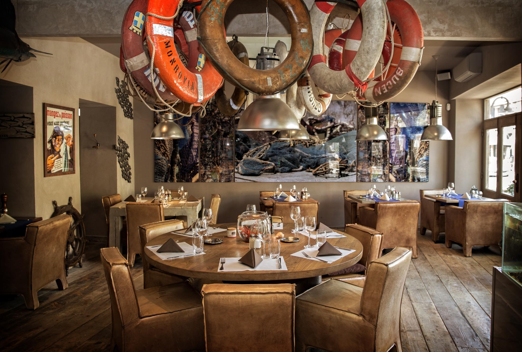 Réservez en ligne bistrot marin restaurant à les baux de